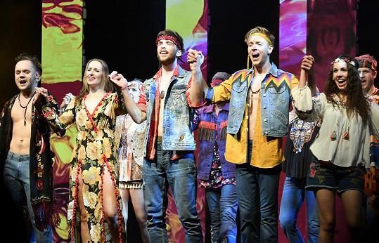 Herečka si nenechala ujít premiéru muzikálu Vlasy.