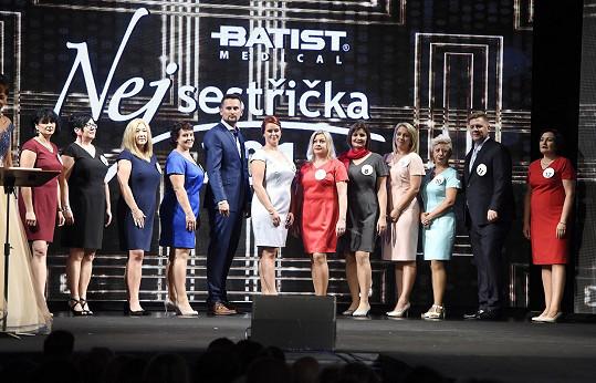 O titul bojovalo dvanáct finalistek a finalistů.