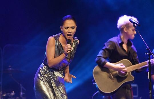 Eva hostovala na koncertu Vojty Drahokoupila.