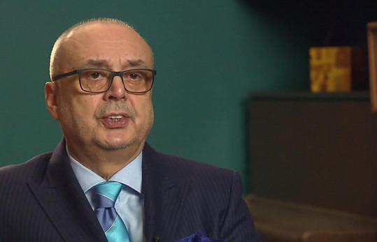 Peter Kovarčík promluvil během přenosu ze záznamu.