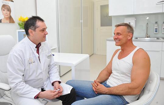 Martin Maxa na konzultaci s lékařem