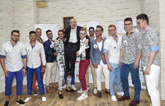 Finálová dvanáctka se šéfem soutěže Davidem Novotným