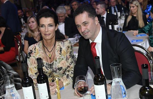 Mezi hosty byl Martin Dejdar s manželkou Danielou.