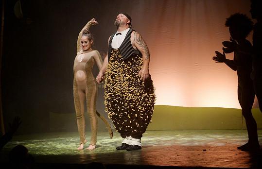 V Mauglím hraje medvěda Balú.