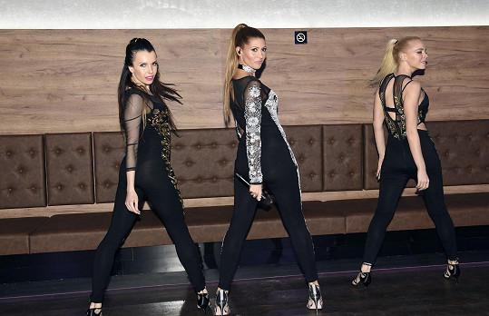 Tereza se svými tanečnicemi vystoupila na otevření music clubu v Táboře.