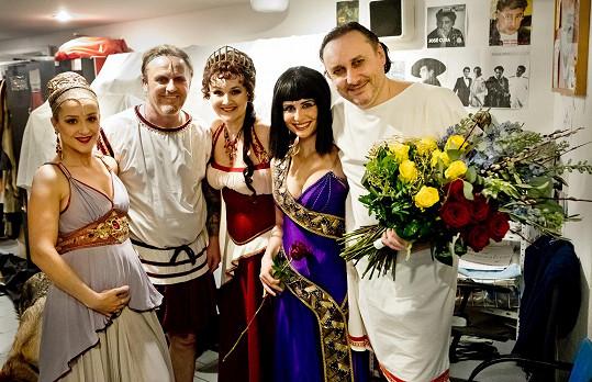 Lucia odehrála s kolegy Kleopatru opět v požehnaném stavu.