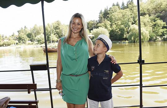 Monika Marešová se synem Jakubem
