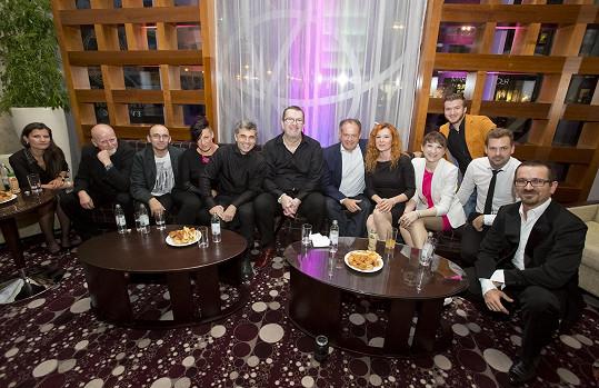Společné foto Müllera a Fragile s prezidentem Slovenské republiky
