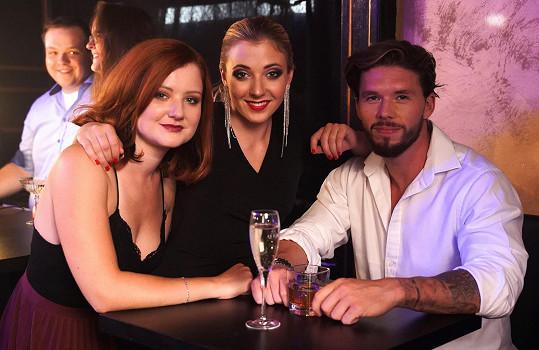 V novém klipu k singlu Leo si Matyáše Hložka prý pěkně podá.