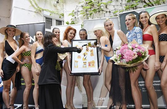 Lucie s návrhářkou Mirkou Horkou při křtu kolekce