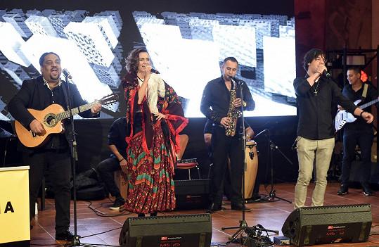 Daniela vystupovala pro nadaci ALSA v Pražské křižovatce.