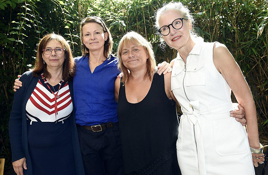 A ještě s autorkou seriálu Irenou Obermannovou a producentkou Alenou Müllerovou