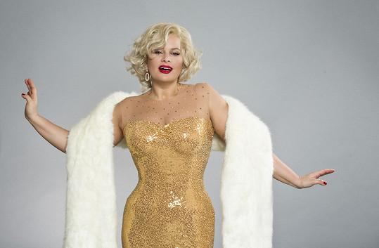 Její proměna v Marilyn trvala dvě hodiny. Co říkáte, povedla se?