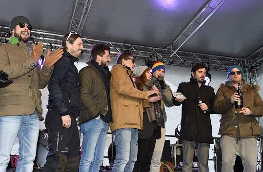 Jakub s kapelou Horal křtili singl k filmu Padesátka.