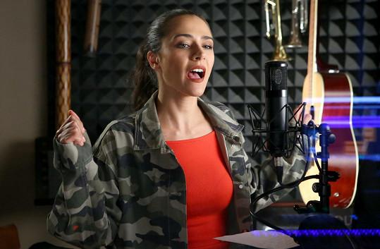 Eva Burešová se zpěvem neměla problém.