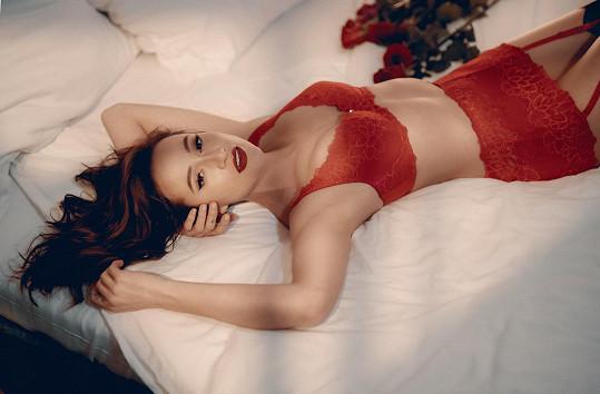 Karolína nafotila kampaň pro značku spodního prádla.