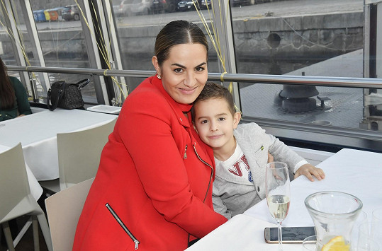 Leona Gyöngyösi se synem Nicolasem