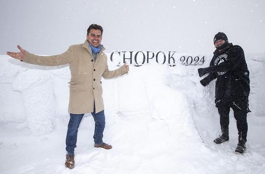 S filmovým kolegou Romanem Pomajbem vyrazil i na vrchol Chopku, kde se minulou zimu natáčelo.