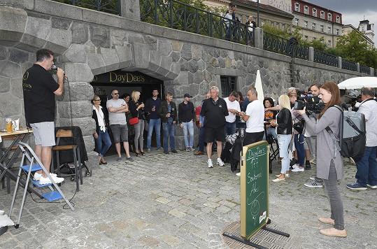 Martin Dejdar otevíral bar, který v názvu nese jeho přezdívku.