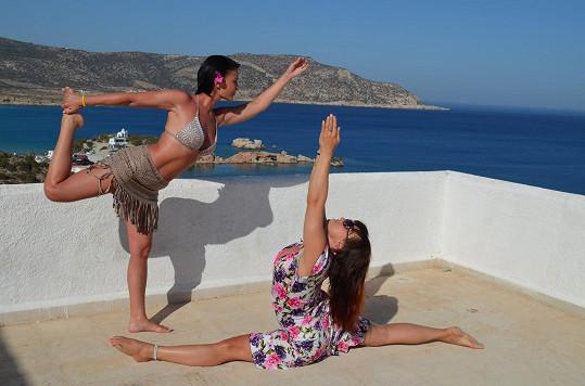Gábina se známou cvičitelkou jógy Kateřinou Burešovou