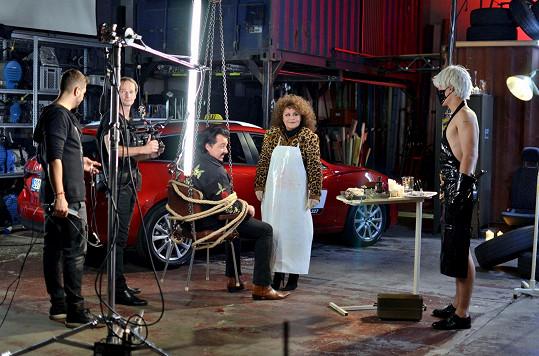 Tohle spojení by čekal málokdo. Jitka Zelenková a Bruno Ferrari natočili duet Věci, o kterých se nemluví.