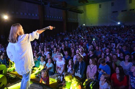 Vondráčková na svém druhém koncertním turné kariéry