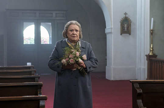 Bohdalová si zahrála starou a osamělou paní.