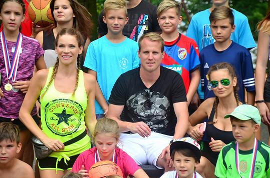 Děti přijel navštívit fotbalista David Limberský.
