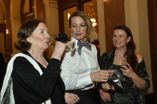 Anna Polívková s maminkou (vlevo) a sestrou