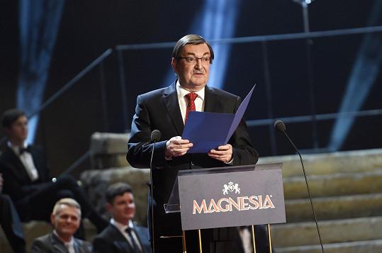 Zdeněk Barták při předávání jedné z cen v Národním divadle