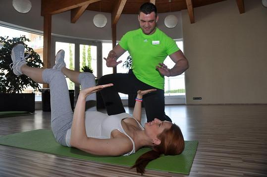 Romana Pavelková cvičí i v těhotenství, ovšem pod dohledem.