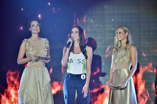 Diana s Danielou Písařovicovou a vítězkou soutěže Miss Hasička Alicí Ondrášovou