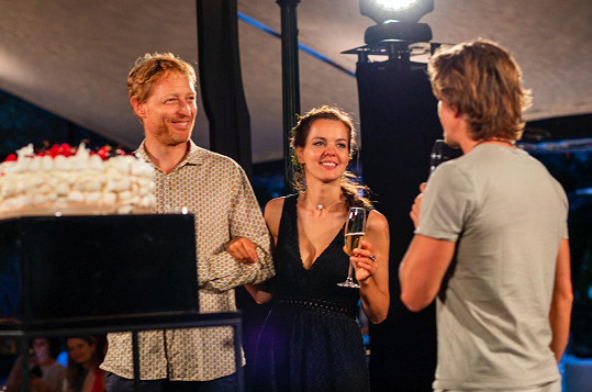 Karel a Lilia přátele požádali o dary ve formě jejich talentu.