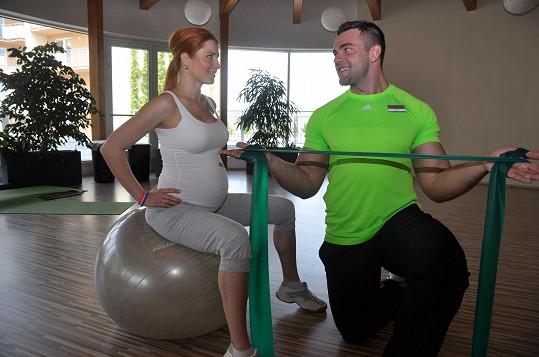 Romana Pavelková se po cvičení cítí mnohem lépe.