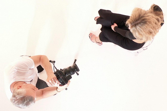 Herbeck složil píseň a chopil se i natáčení klipu.