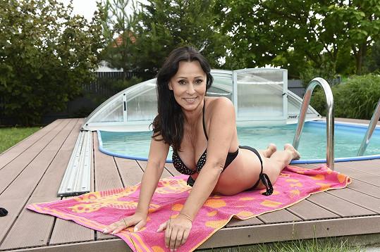 Heidi Janků v plavkách