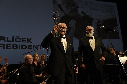 Václav Vorlíček s festivalovou trofejí