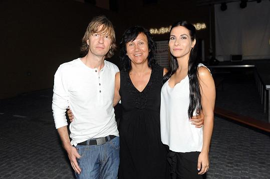 Eva s maminkou a jejím partnerem na soustředění Muže roku
