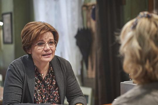 Ivana Andrlová si zahraje v seriálu Drazí sousedé.