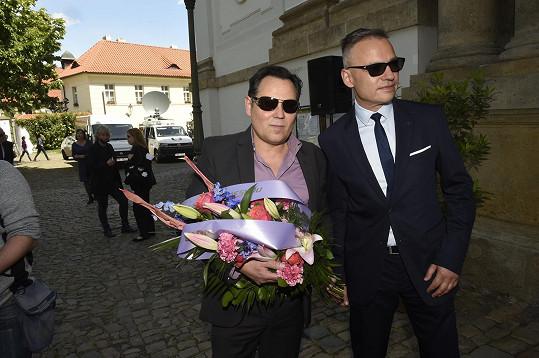 Poslední sbohem přišli dát Pavel Vítek a Janis Sidovský.