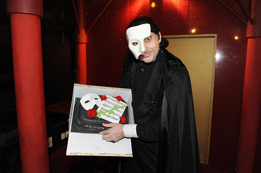 Vojtko oslavil nejen sté představení Fantoma opery, ale také své narozeniny.