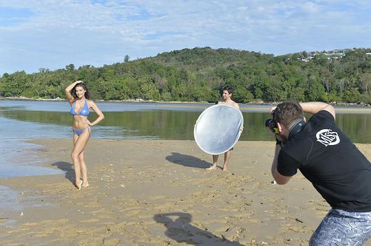 Fotilo se v odlehlé laguně na ostrově Phuket.
