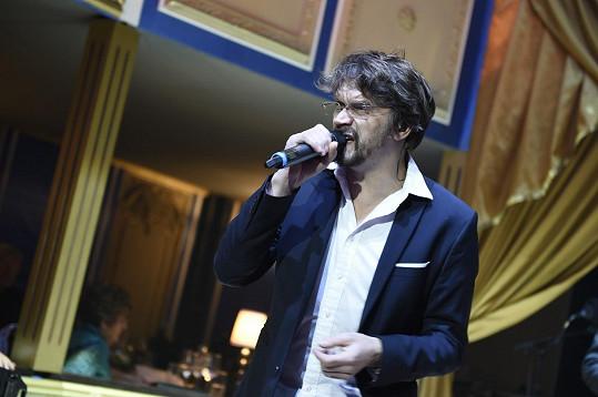 Před Paulem Youngem na jevišti zpíval Dan Bára nebo Matěj Ruppert.
