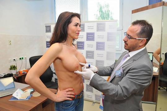 Paula si nechala dát dvakrát větší implantáty.