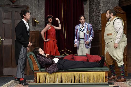 Představení v Divadle Bez zábradlí režíruje jeho otec Karel Heřmánek.