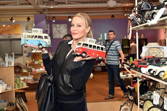 Simona nakupovala hlavně pro syny.