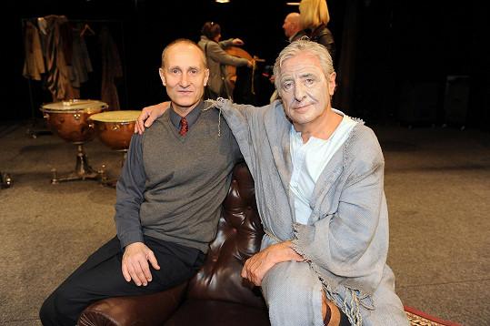 V hlavních rolích Garderobiéra se představí Karel Heřmánek a Josef Carda.