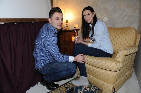 Lukáš a Petra se zasnoubili v puzzle roomu.