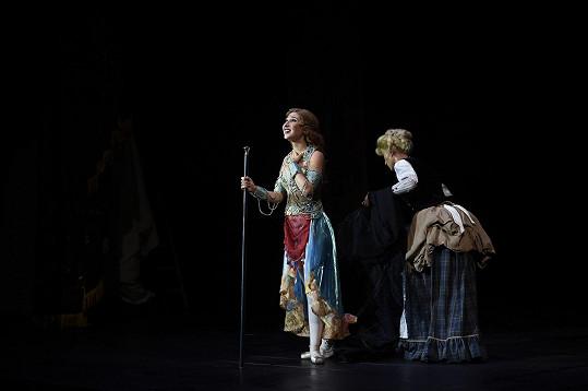 Natálka Grossová v roli Meg ve Fantomovi opery