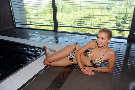 V designovém hotelu ji nadchl zejména bazén.